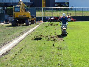 外野芝生張替工事